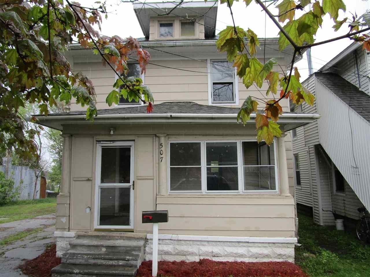507 N BLACKSTONE, Jackson, MI 49201 - MLS#: 21096050