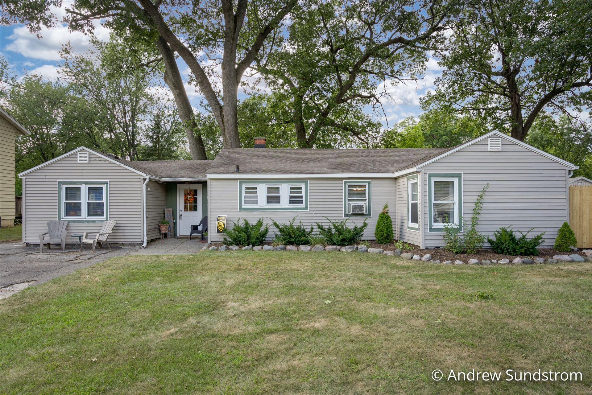 1735 Willis Avenue NW, Grand Rapids, MI 49504 - MLS#: 21105060