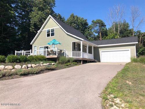 Photo of 6494 W Summit Retreat Drive, Ludington, MI 49431 (MLS # 18009067)