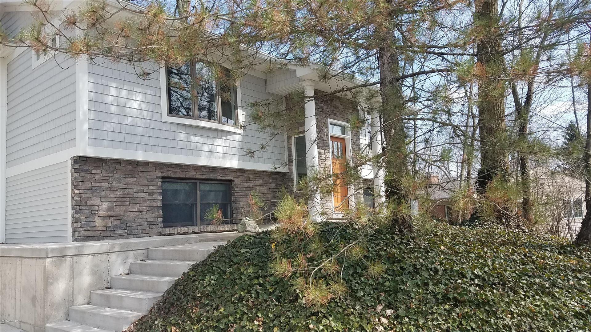 Photo of 3512 McCoy Avenue SE, Grand Rapids, MI 49506 (MLS # 20032071)