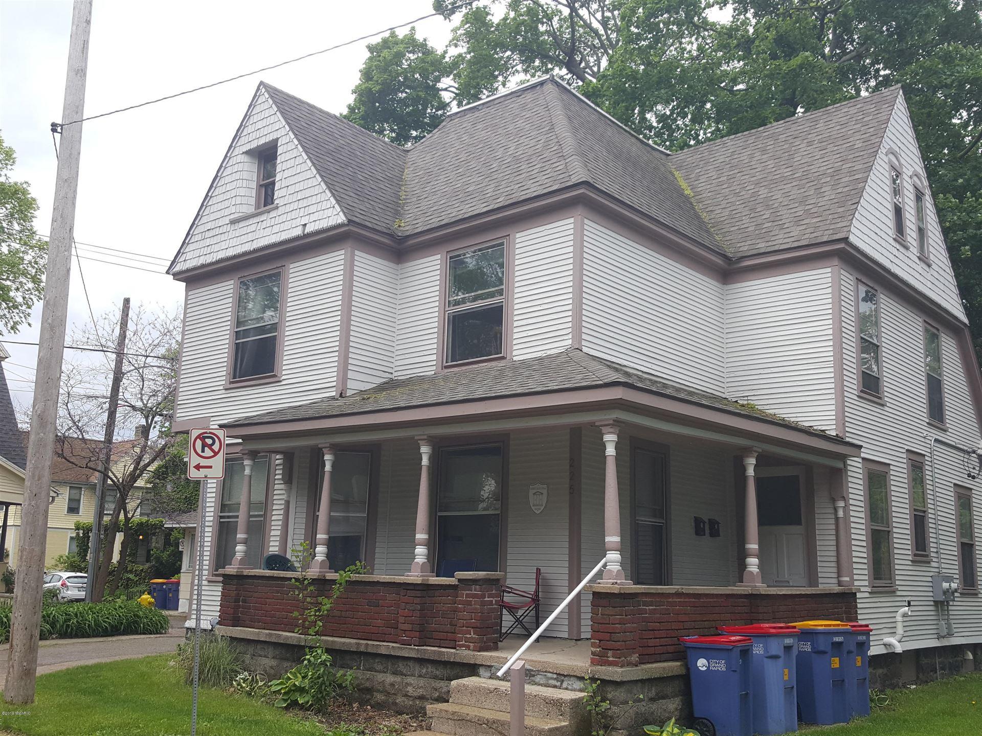 225 Oakley Place NE, Grand Rapids, MI 49503 - MLS#: 20039080