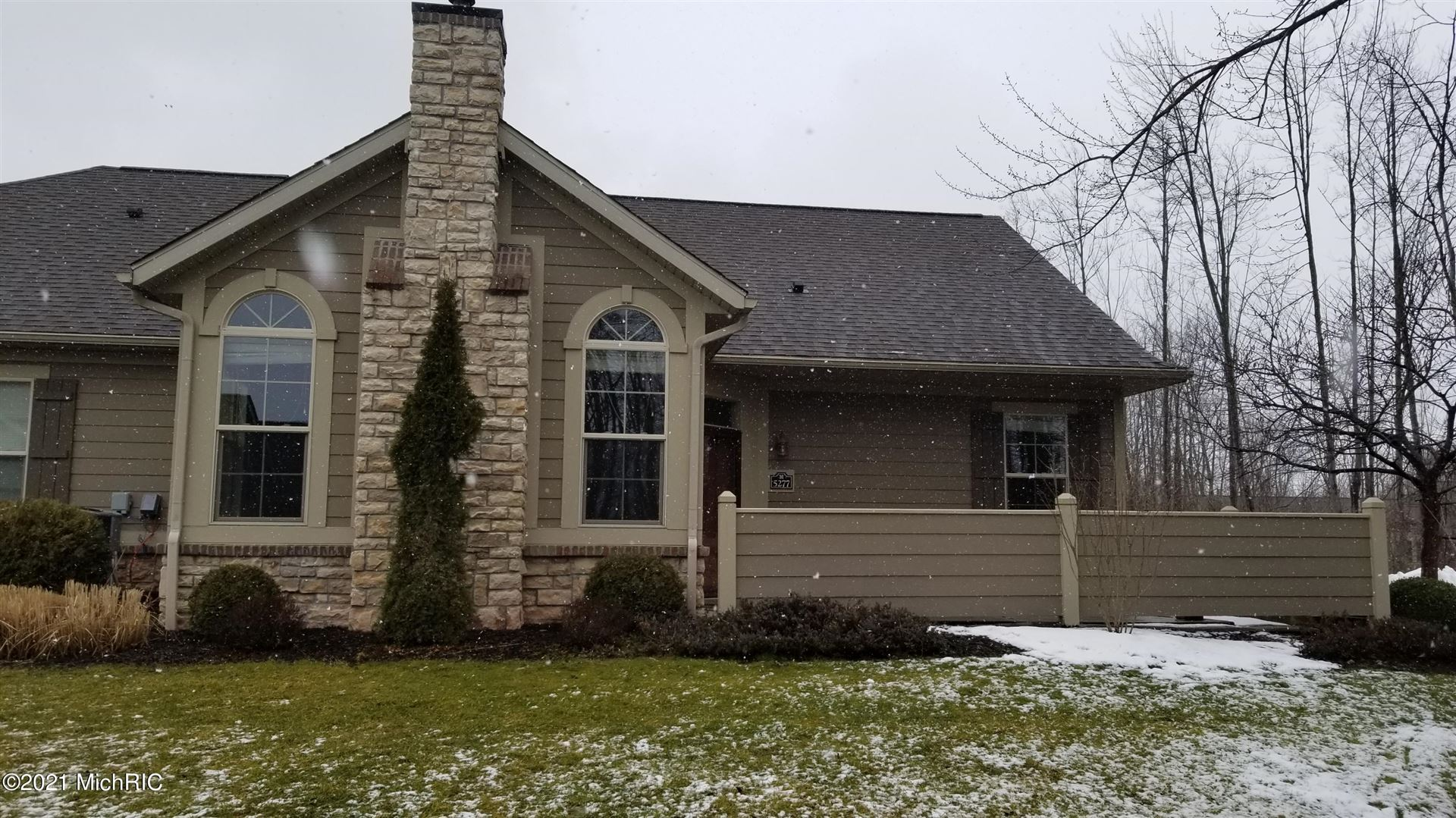 5277 Riverflow SW Avenue SW, Wyoming, MI 49418 - MLS#: 21002081