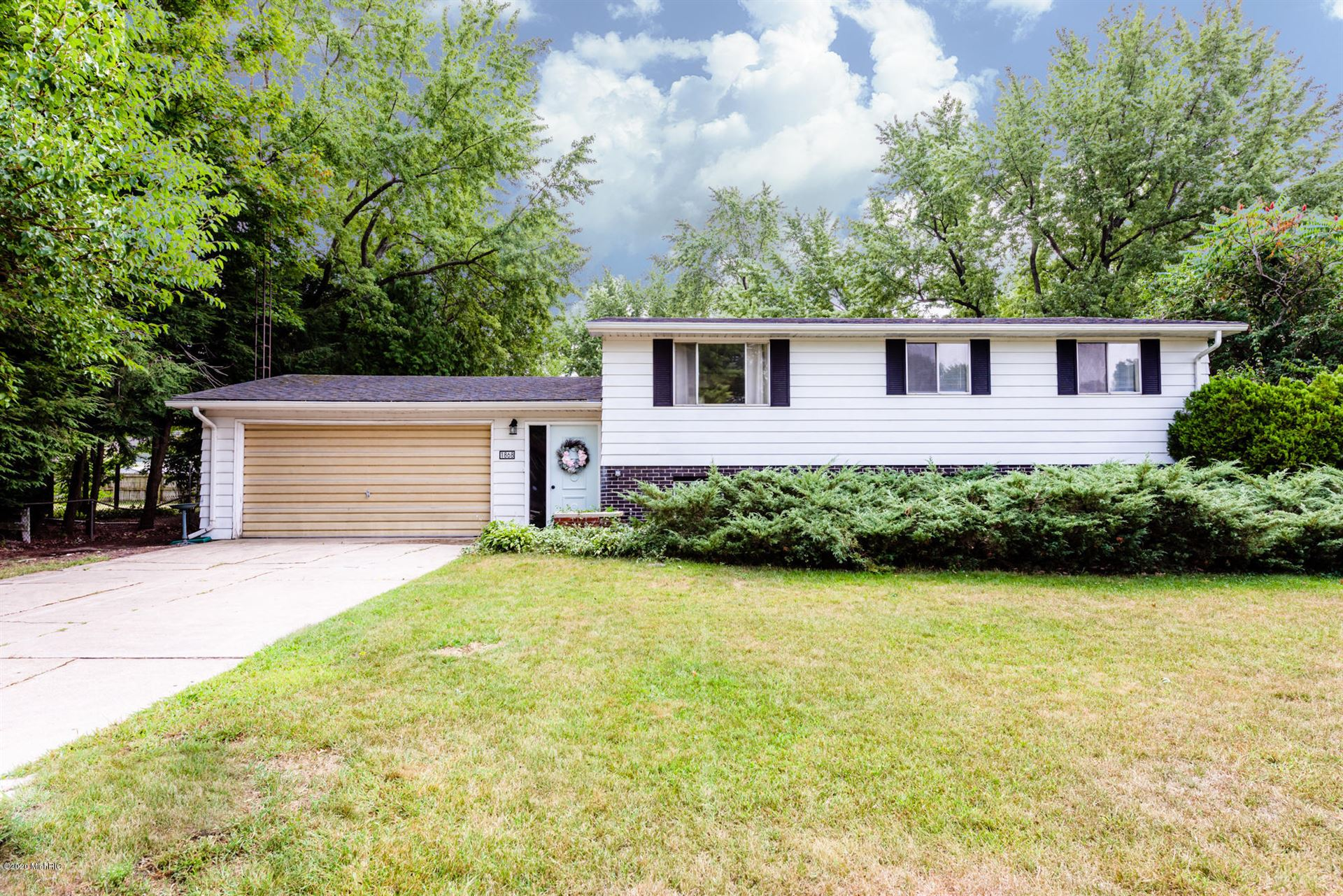 1868 S Sierra Way, Stevensville, MI 49127 - MLS#: 20035091