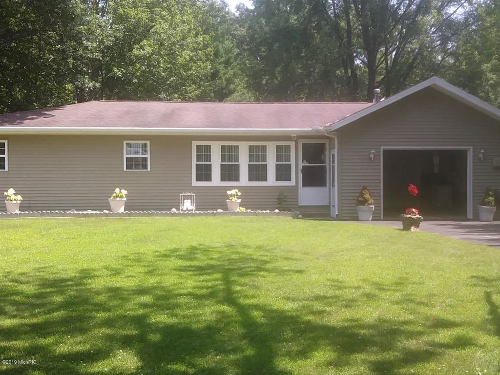 Photo for 5609 Johnson Road, Coloma, MI 49038 (MLS # 19032100)