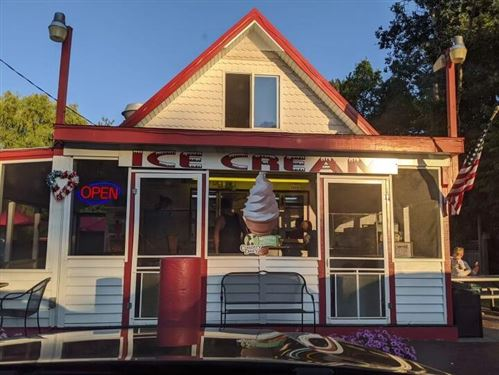 Photo of 8547 W Silver Lake Road, Mears, MI 49436 (MLS # 21112104)
