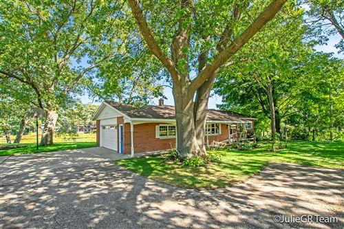 Photo of 15471 Oak Drive, Spring Lake, MI 49456 (MLS # 21105109)