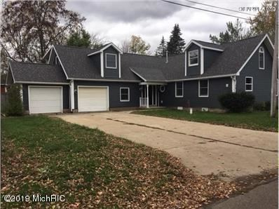 Photo of 415 Lakeview Street, Crystal, MI 48818 (MLS # 19054122)