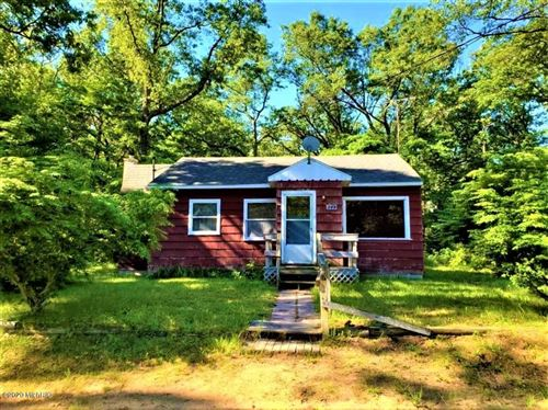 Photo of 949 W Holton Whitehall Road, Whitehall, MI 49461 (MLS # 20000132)