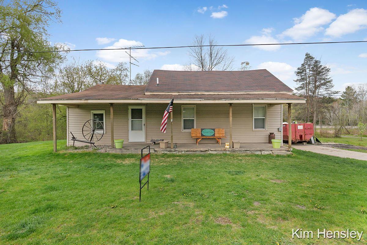 Photo of 4774 Porter Hollow Drive NE, Rockford, MI 49341 (MLS # 21015136)