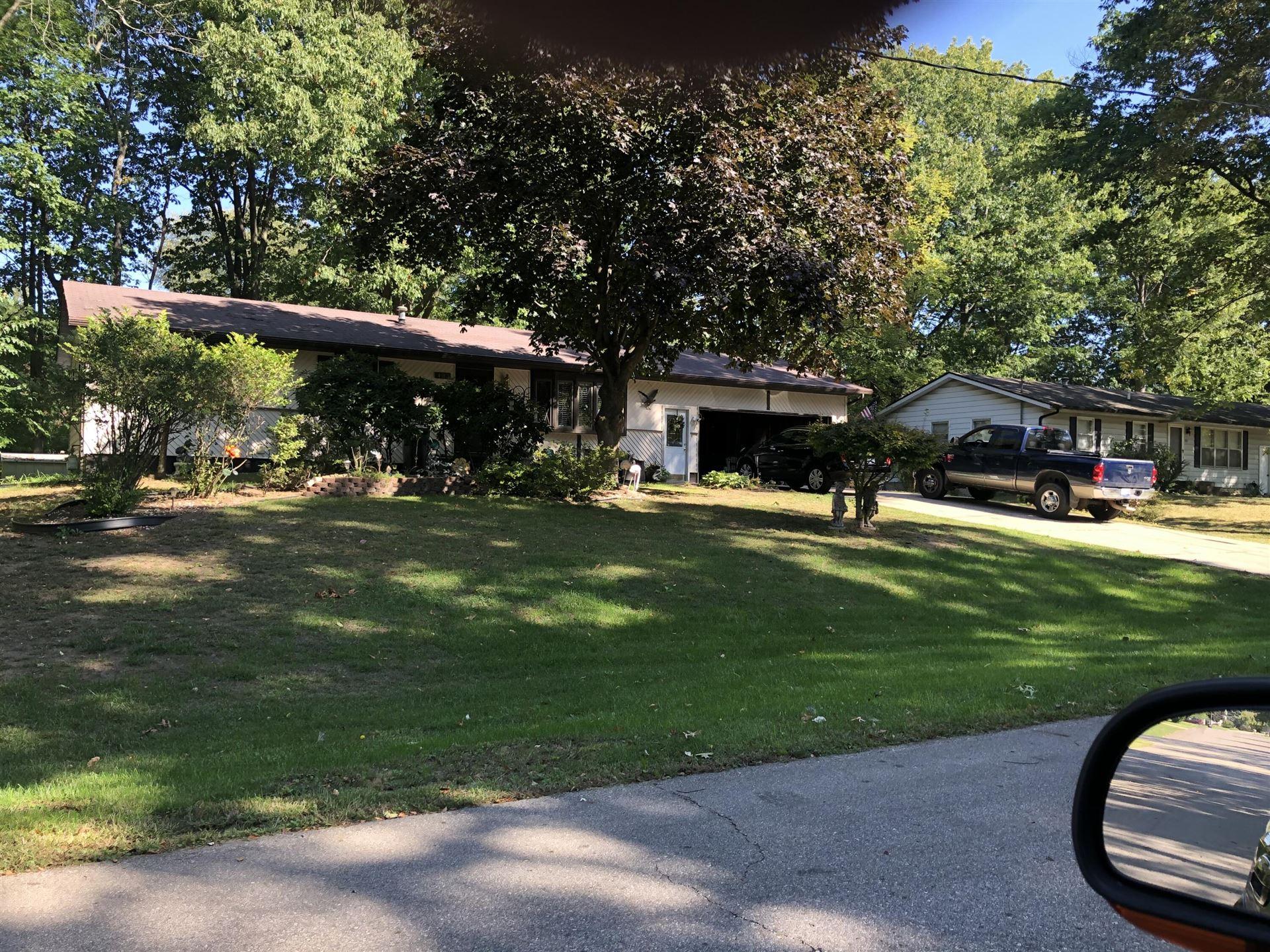 Photo of 403 Hayes Avenue, Holland, MI 49424 (MLS # 21110137)