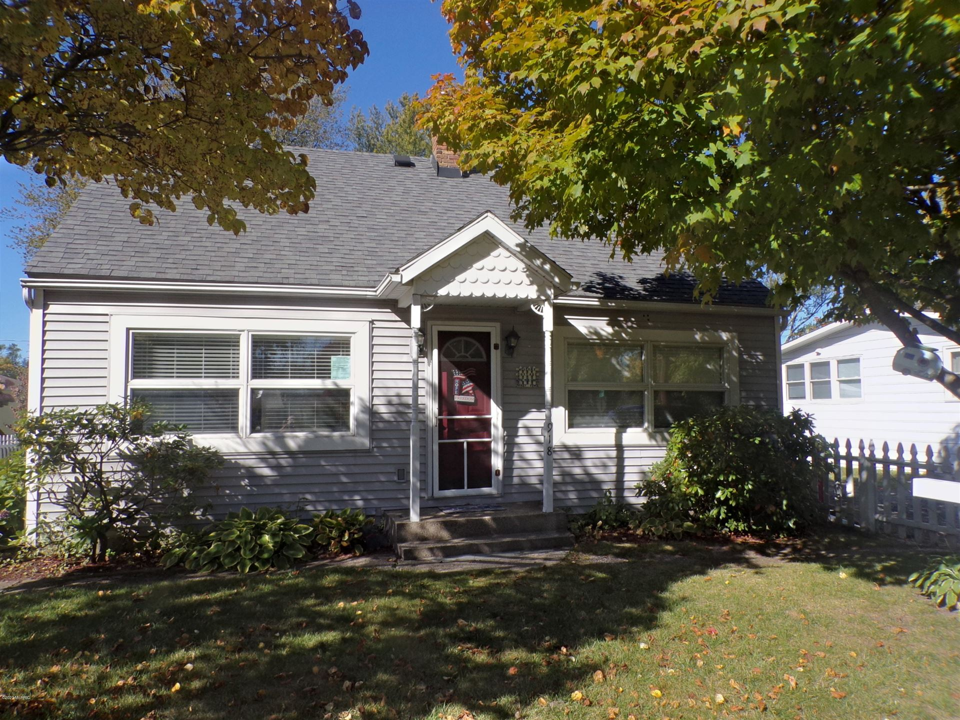 918 St Joseph Street, South Haven, MI 49090 - MLS#: 20041148