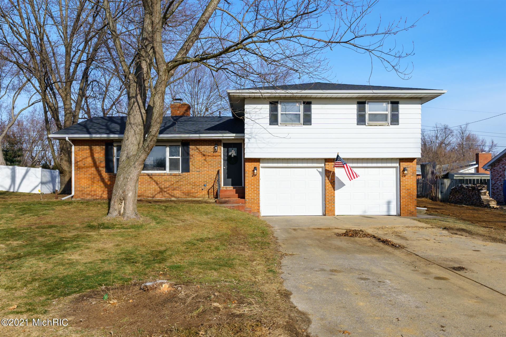 1855 N Cambridge Place, Saint Joseph, MI 49085 - MLS#: 21001153