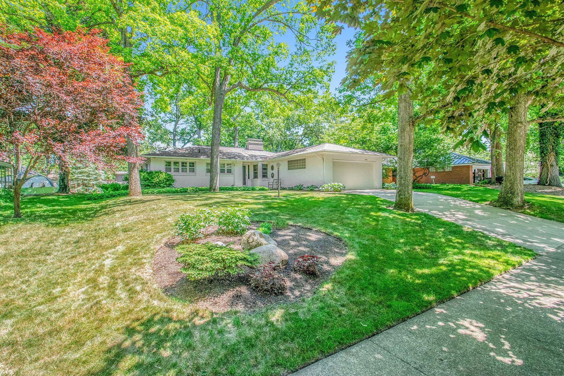 Photo of 1064 Santa Barbara Drive SE, East Grand Rapids, MI 49506 (MLS # 21102155)