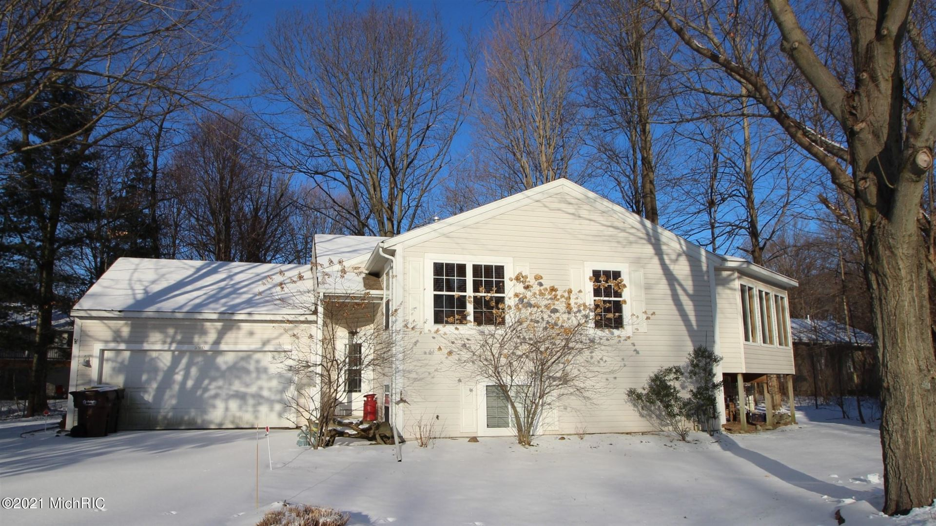 590 Woodbridge Circle, South Haven, MI 49090 - MLS#: 21003159