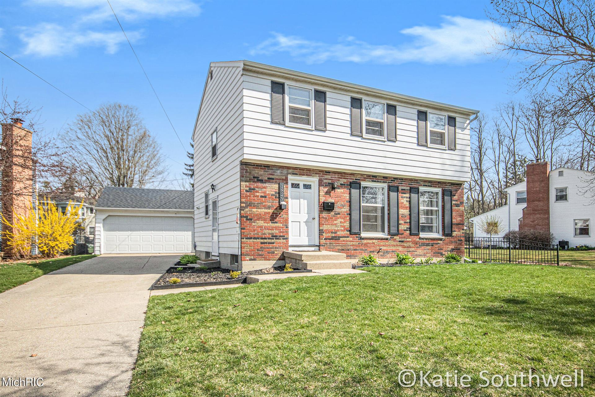 1829 Lonsdale Drive NE, Grand Rapids, MI 49503 - MLS#: 21011163