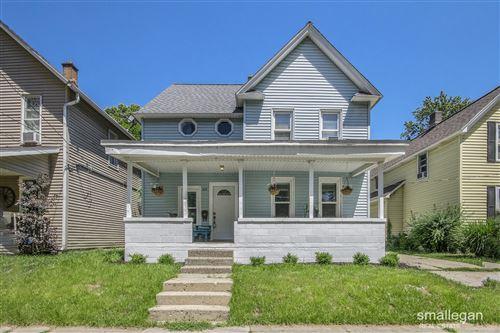 Photo of 23 Palmer Street NE, Grand Rapids, MI 49505 (MLS # 21023164)