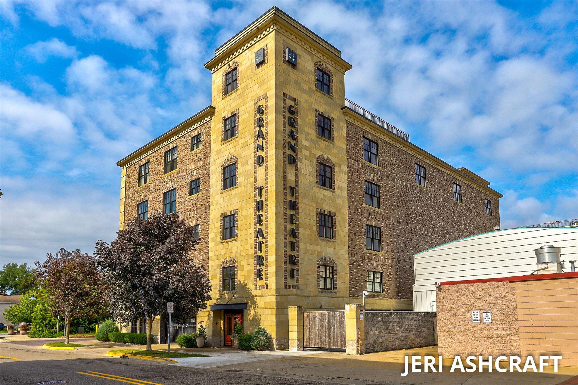 11 S S 1st Street #402, Grand Haven, MI 49417 - MLS#: 21102168