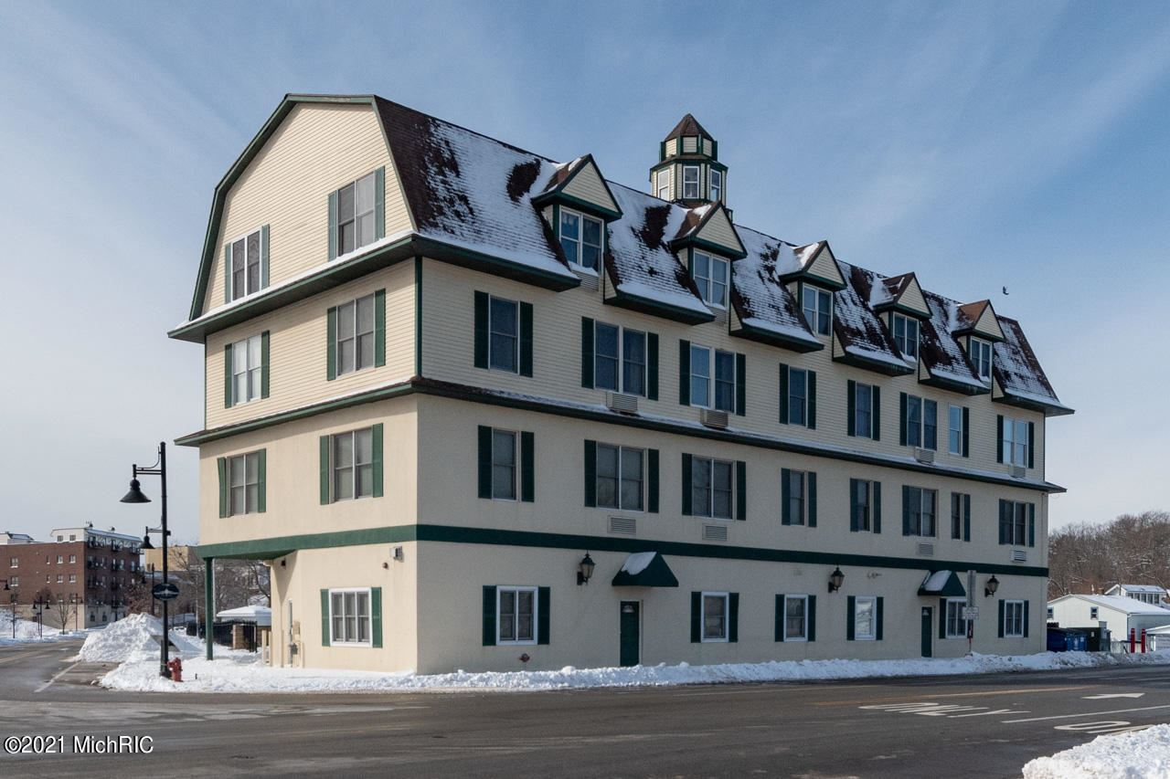 532 Dyckman Avenue #10-11, South Haven, MI 49090 - MLS#: 21005171