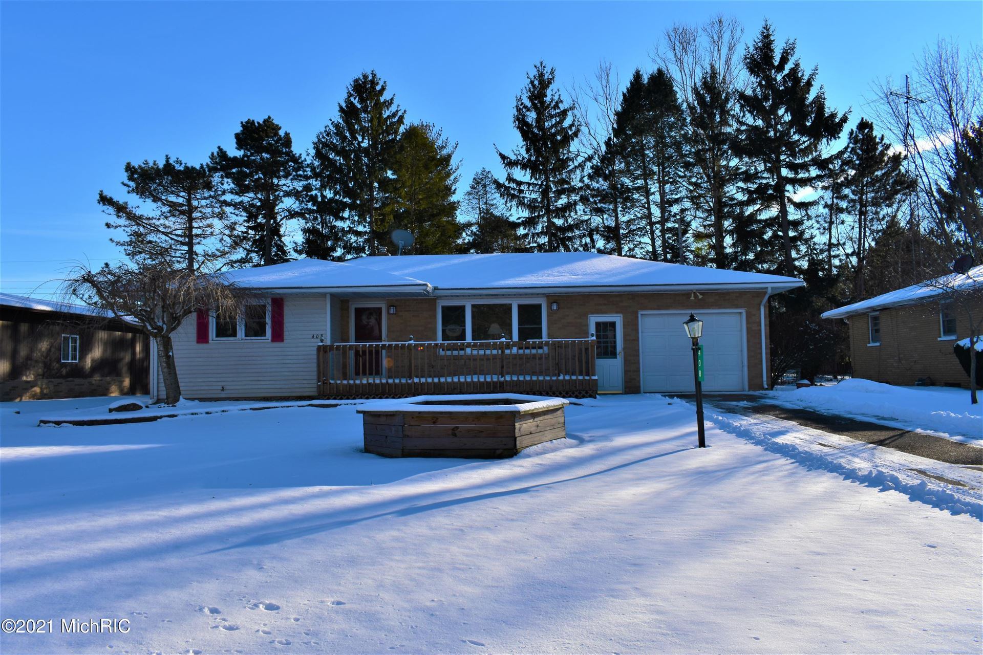 408 Waverly Drive, Benton Harbor, MI 49022 - MLS#: 21002190