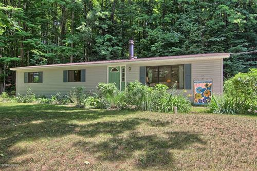 Photo of 1333 Coho Drive, Beulah, MI 49617 (MLS # 20019204)