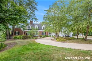 Photo of 2500 Cascade Road SE, Grand Rapids, MI 49506 (MLS # 19039205)
