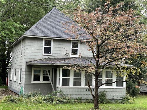 Photo of 1878 W Glenlord Road, Stevensville, MI 49127 (MLS # 21025205)