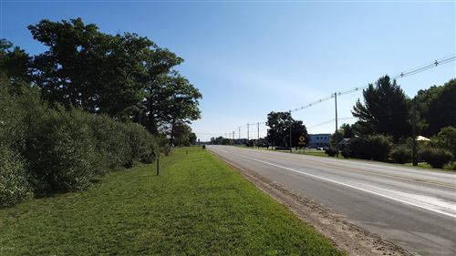 Photo of 1130 E Parkdale Avenue, Manistee, MI 49660 (MLS # 21111205)