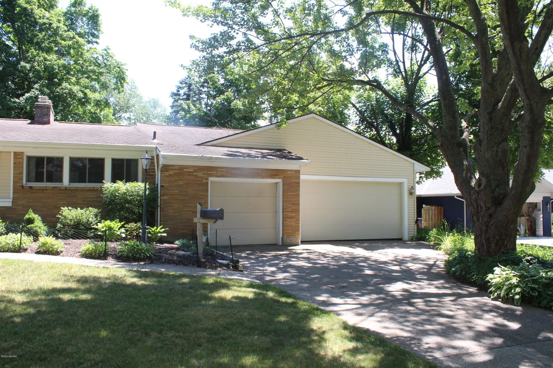 Photo of 2318 Wilshire Drive SE, East Grand Rapids, MI 49506 (MLS # 20023215)