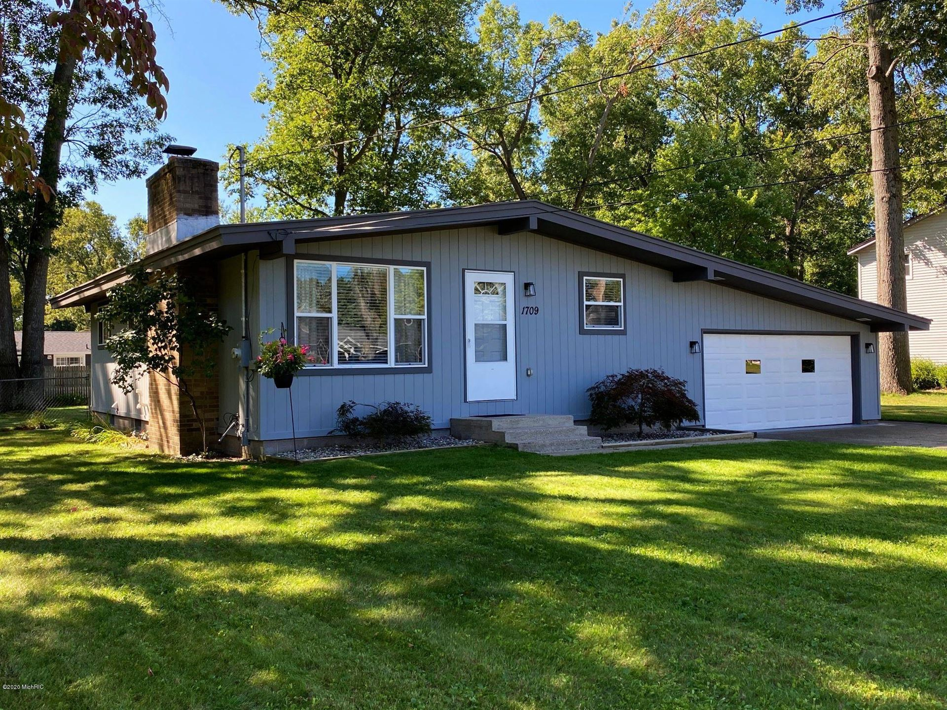 Photo of 1709 Manistee Road, Muskegon, MI 49445 (MLS # 20039217)