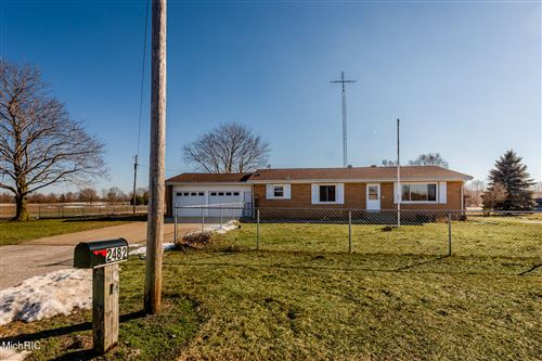 Photo of 2482 Maple Lane, Benton Harbor, MI 49022 (MLS # 21006223)
