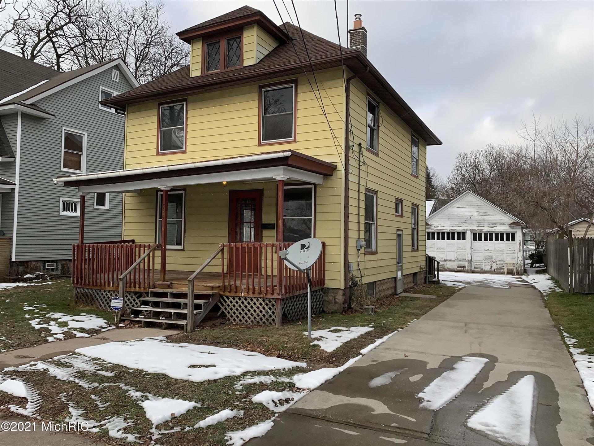 545 Carrier Street NE, Grand Rapids, MI 49505 - MLS#: 21001242