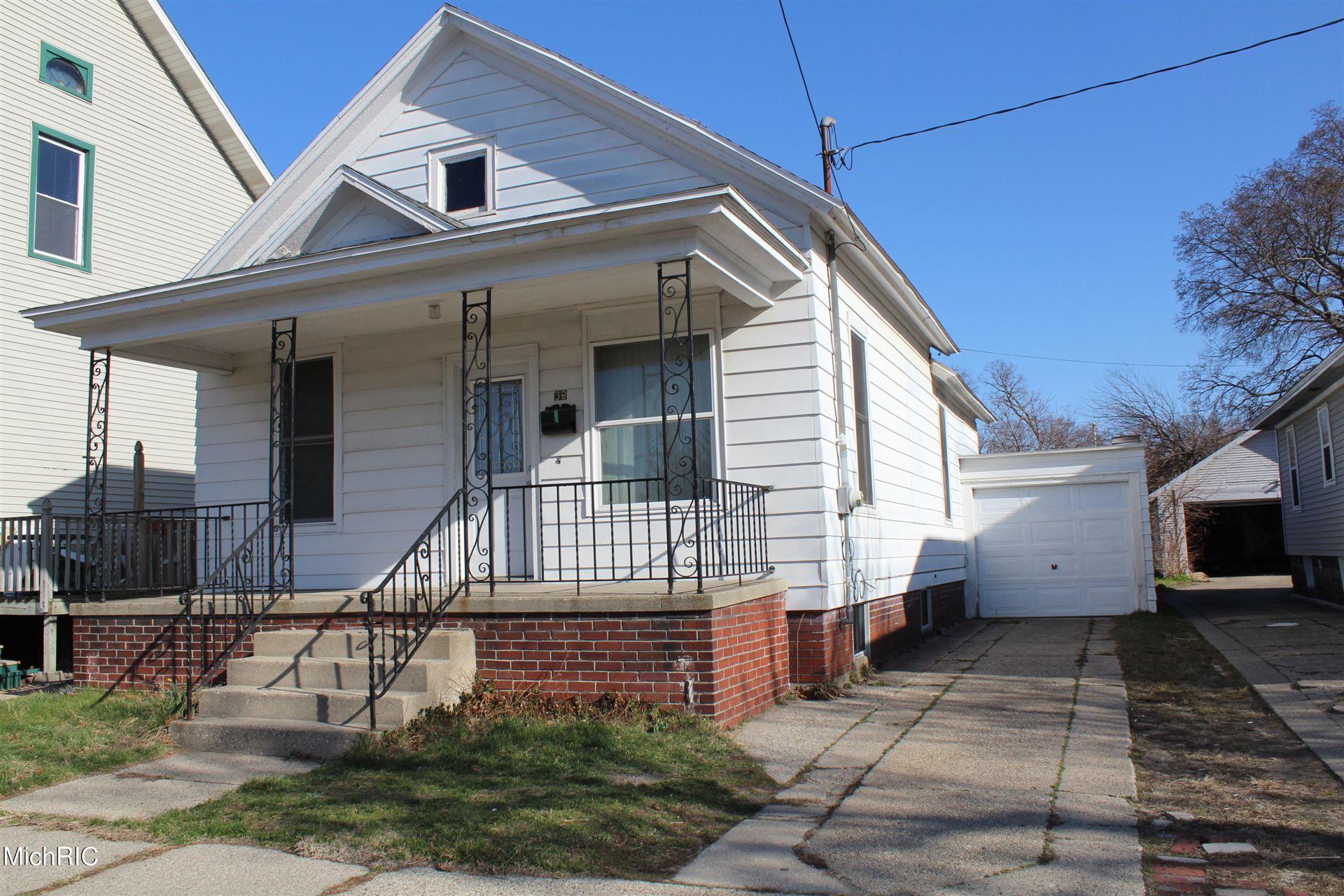 Photo of 38 W Larch Avenue, Muskegon, MI 49441 (MLS # 21011249)