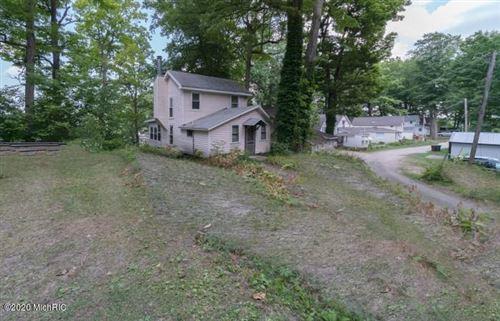 Photo of 33074 Hunt Drive, Dowagiac, MI 49047 (MLS # 20026261)