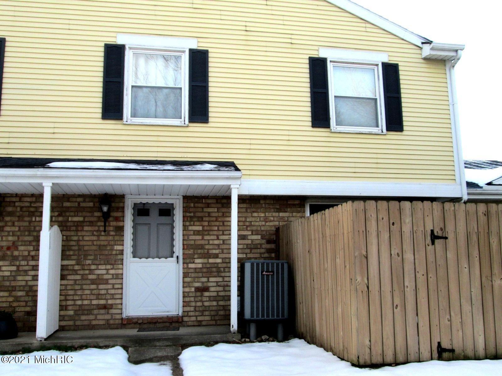 2584 Cherrywood Court, Saint Joseph, MI 49085 - MLS#: 21000261