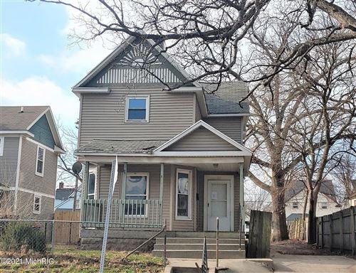 Photo of 1111 Cass Avenue SE, Grand Rapids, MI 49507 (MLS # 21001277)