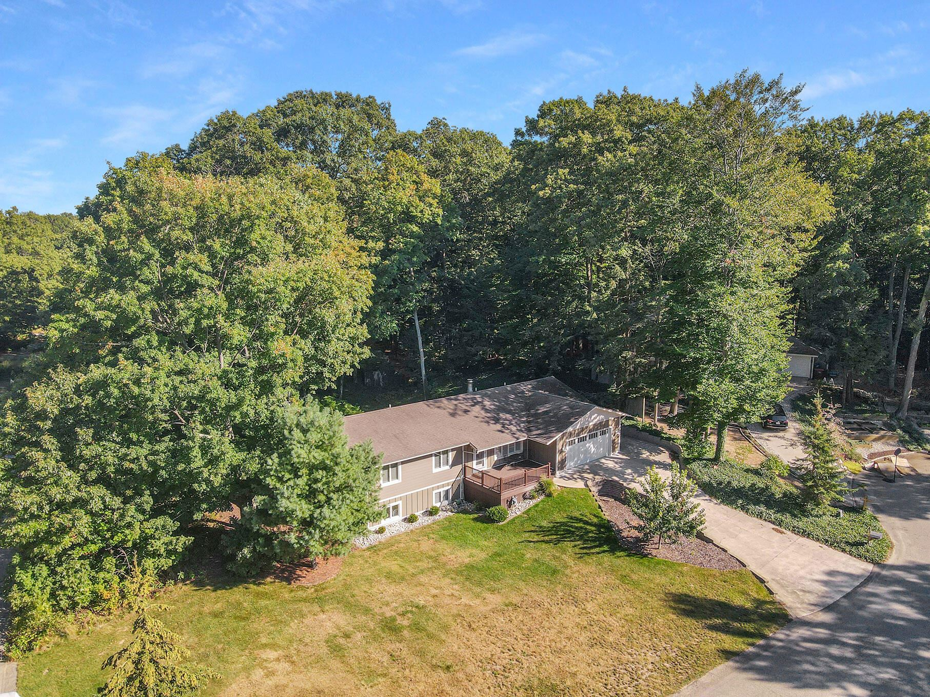 9436 Lakeview Court, West Olive, MI 49460 - MLS#: 21106280