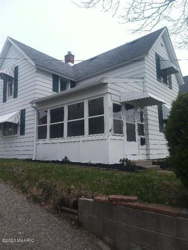 Photo of 915 baraga Street NE, Grand Rapids, MI 49503 (MLS # 20012281)