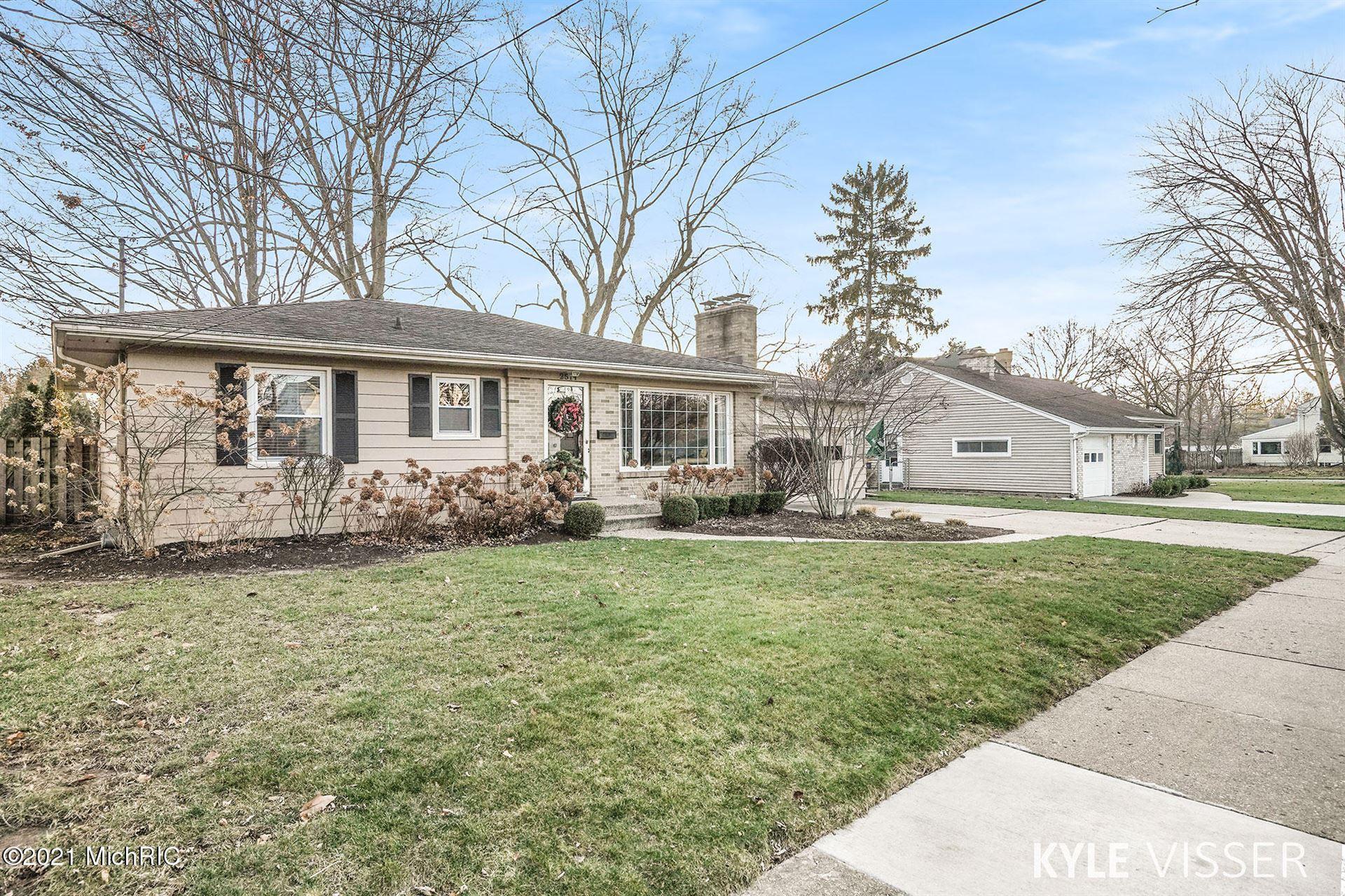 Photo of 2514 Berwyck Road SE, East Grand Rapids, MI 49506 (MLS # 21001281)