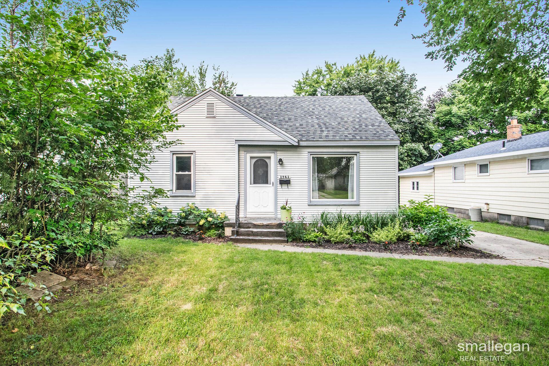 2943 Edgewood Avenue NE, Grand Rapids, MI 49505 - MLS#: 21097281