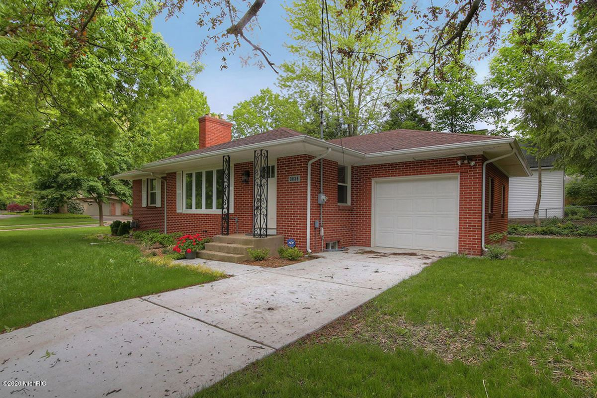 Photo of 3039 Hall Street SE, East Grand Rapids, MI 49506 (MLS # 20027288)