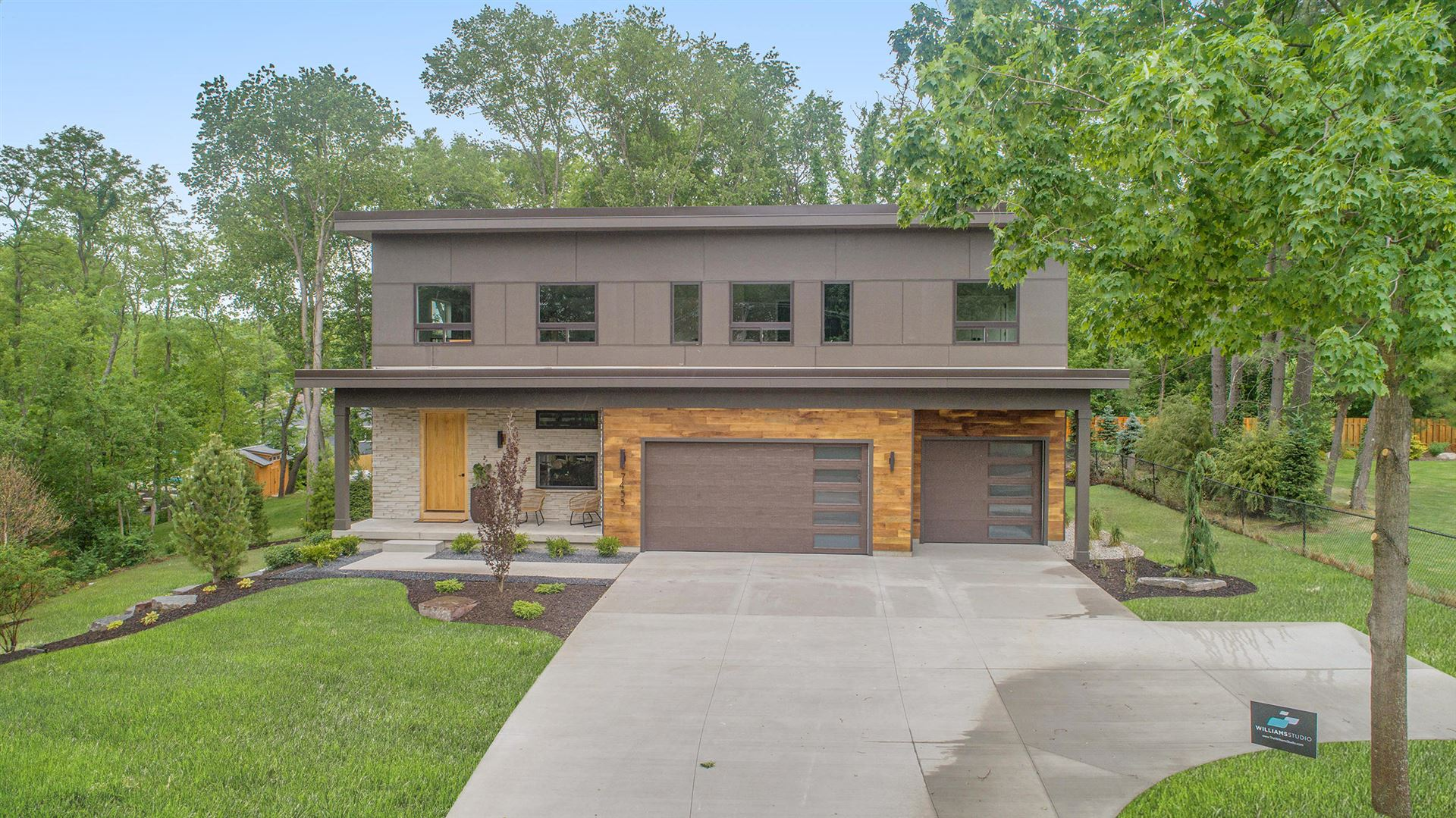 Photo of 7455 Cascade Road SE, Grand Rapids, MI 49546 (MLS # 21021295)