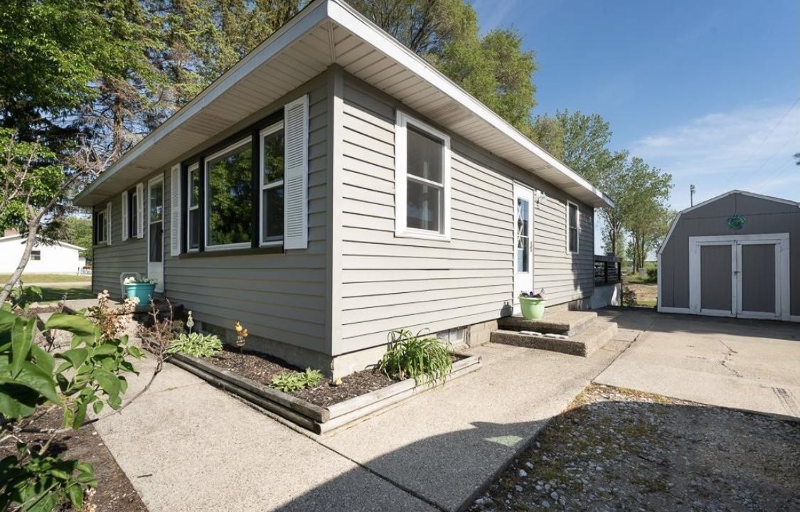 Photo of 416 Grandview Avenue, Spring Lake, MI 49456 (MLS # 21005298)