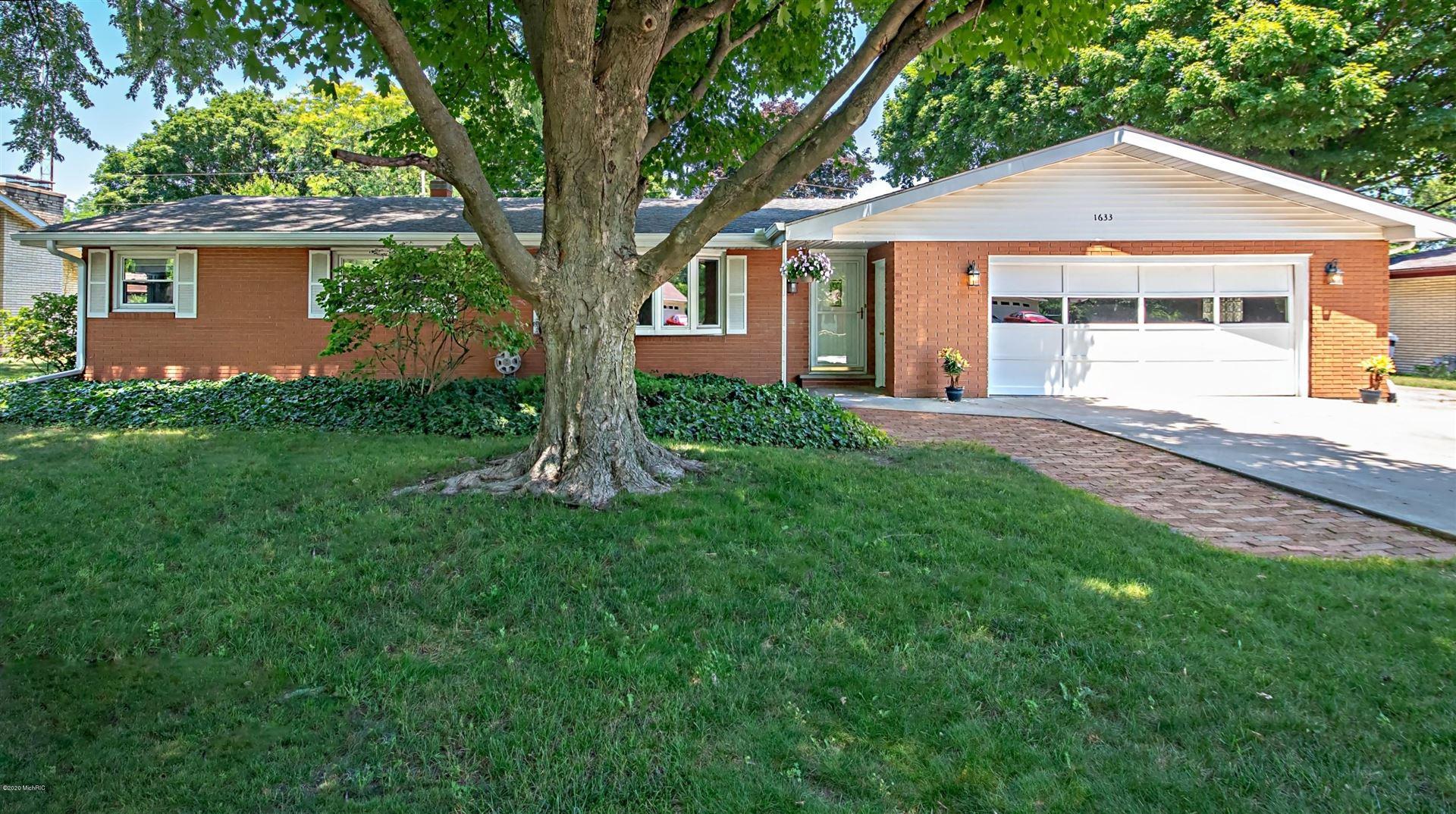 1633 N Teakwood Drive, Stevensville, MI 49127 - MLS#: 20026305