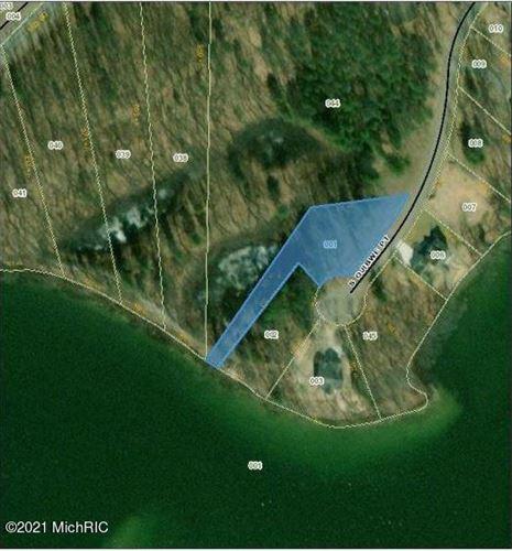 Photo of 4935 S Ojibwe Point #01, Newaygo, MI 49337 (MLS # 19004308)