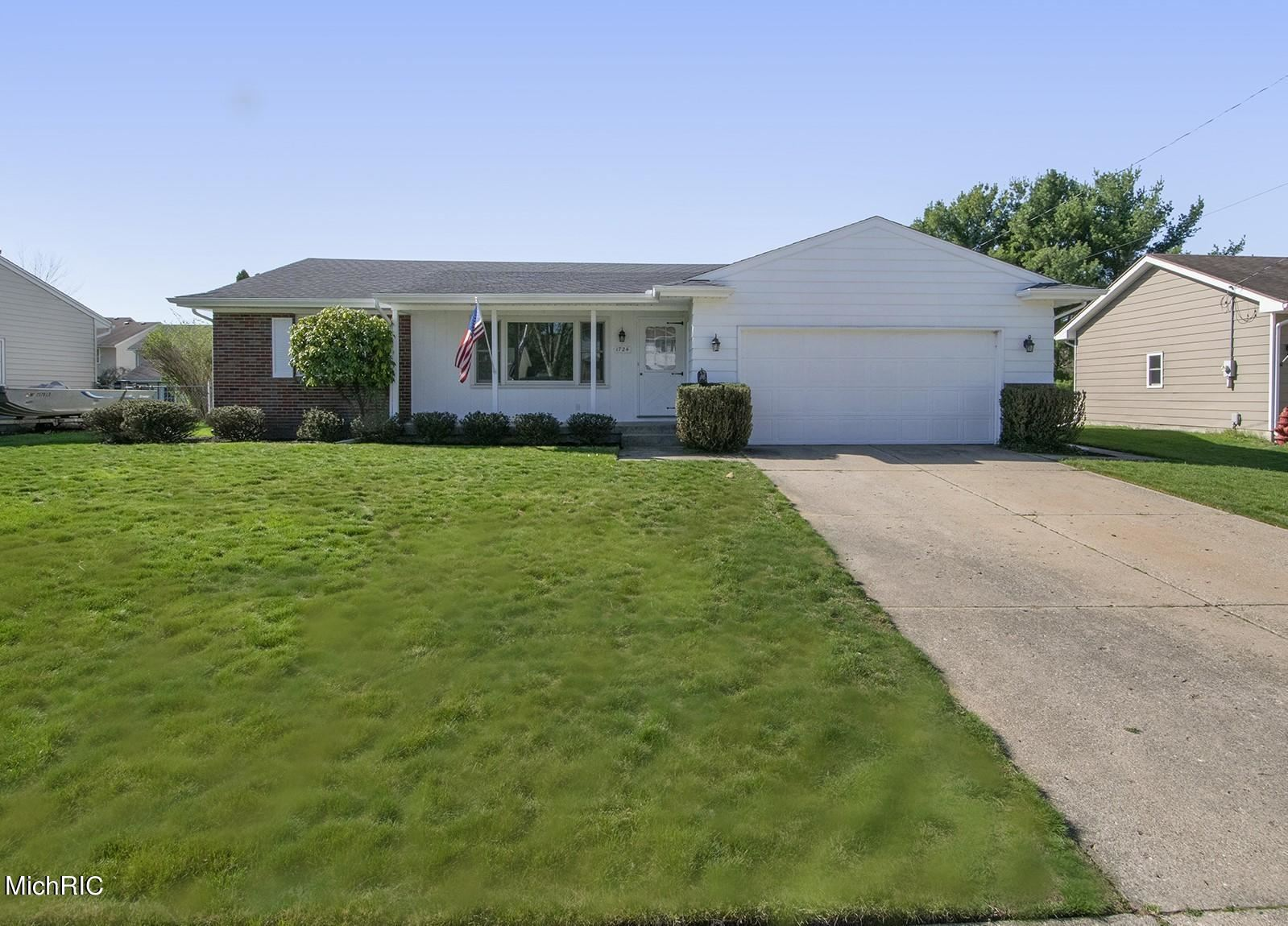 1724 41st Street SW, Wyoming, MI 49519 - MLS#: 21012323