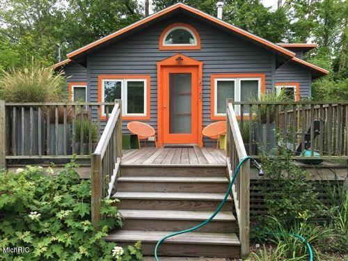 Photo of 15157 Lakeside Avenue, Lakeside, MI 49116 (MLS # 21011327)