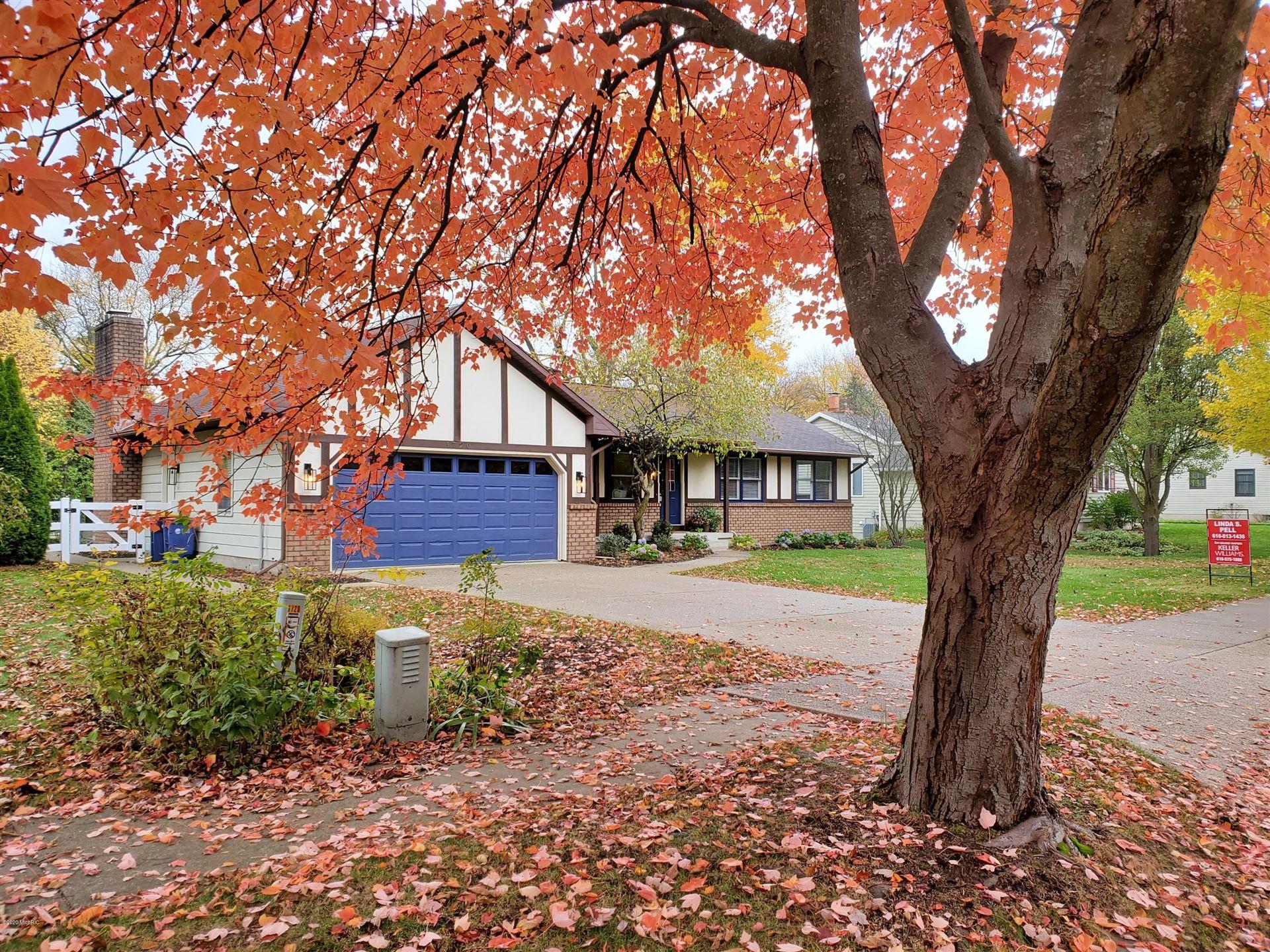 1720 Ridgemoor Drive SE, Grand Rapids, MI 49506 - MLS#: 20041328