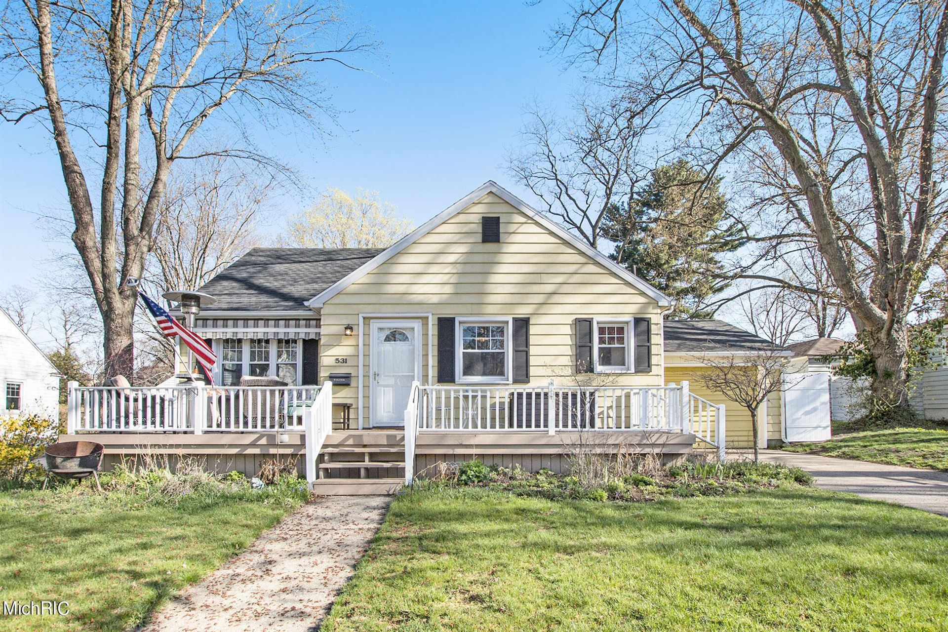 531 Waverly Avenue, Grand Haven, MI 49417 - MLS#: 21012329
