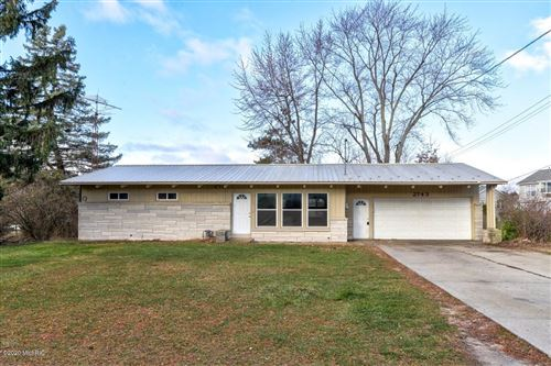 Photo of 2743 Beeline Road, Holland, MI 49424 (MLS # 20049345)