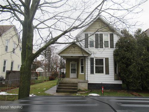 Photo of 1122 Jennette Avenue NW, Grand Rapids, MI 49504 (MLS # 21001359)